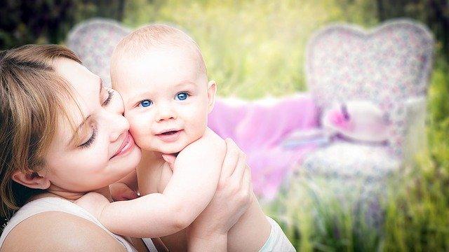Anya és babája